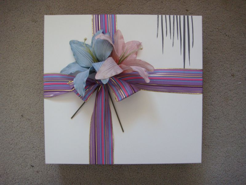 Embellished giftwrapping (5)