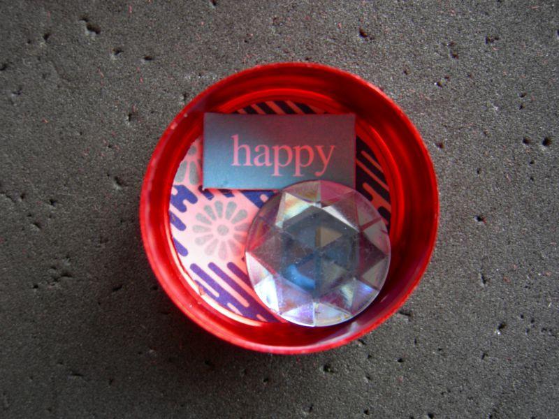 Round tin embellished (40)